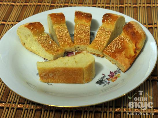 Дрожжевой пирог с кунжутом