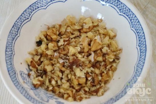 Соус из сметаны и грецких орехов