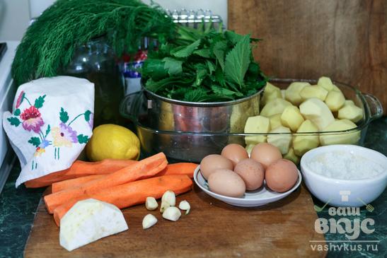 Зелёный суп с крапивой
