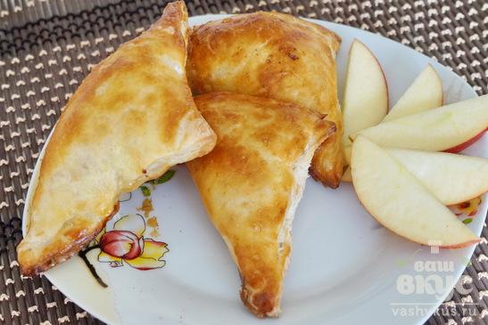 Слойки с карамелизированными яблоками