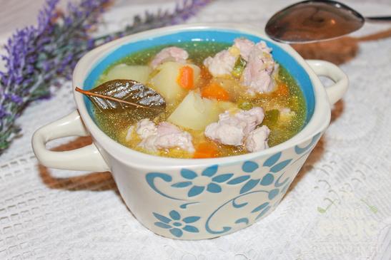 Суп со свининой и чечевицей