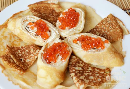 Закуска из блинов с красной икрой