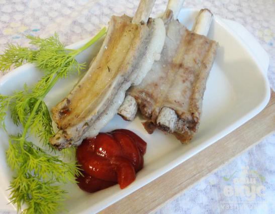 Свиные ребрышки тушеные с соевым соусом