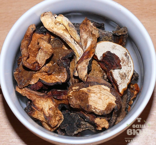 Картофельное суфле с грибным соусом