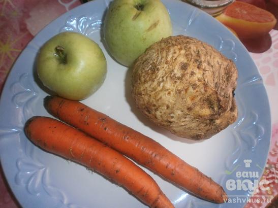 Салат с морковью и корнем сельдерея