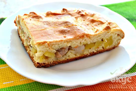 Пирог с картофелем, свиным салом и курицей