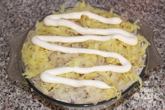 """Салат """"Полянка"""" с грибами"""