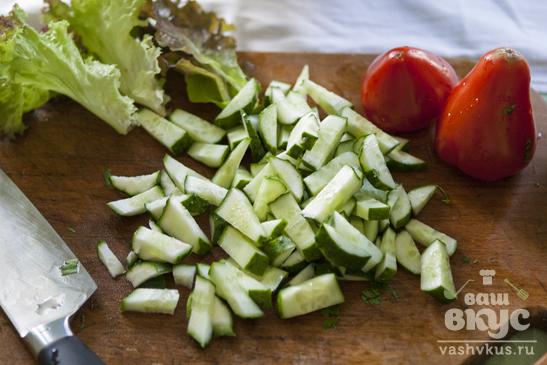 Летний салат с песто