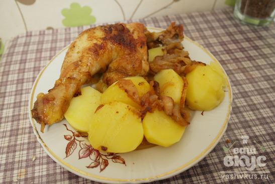 Куриные бедра с луком