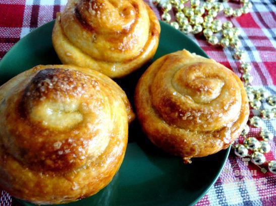 Слойки «Розочки» с медово - ореховой начинкой