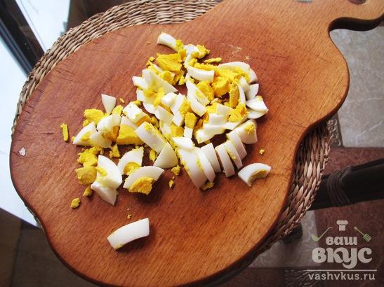Салат из курицы с огурцом под острой заправкой