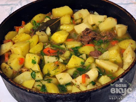 Картофель с говяжьей тушенкой по-дачному