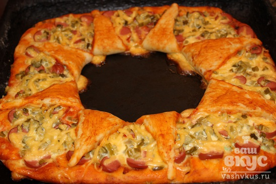 """Пицца с сосисками и солеными огурцами """"Звезда"""""""
