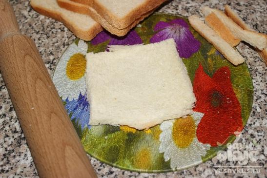 Рулеты из хлеба с сыром