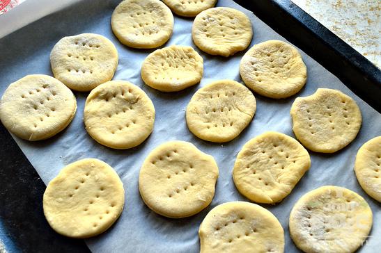Лепешки на маргарине в духовке