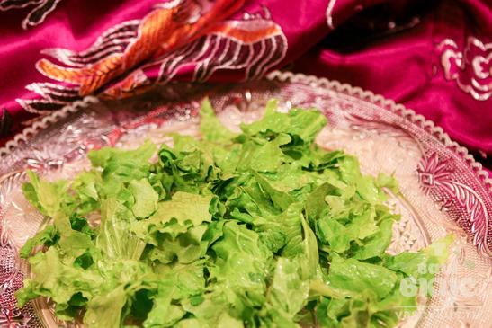 """Салат с зеленой редькой и огурцом """"Праздничный"""""""