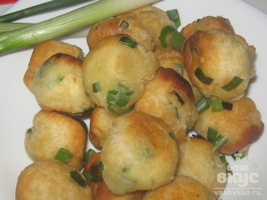 Испанские пончики с зелёным луком