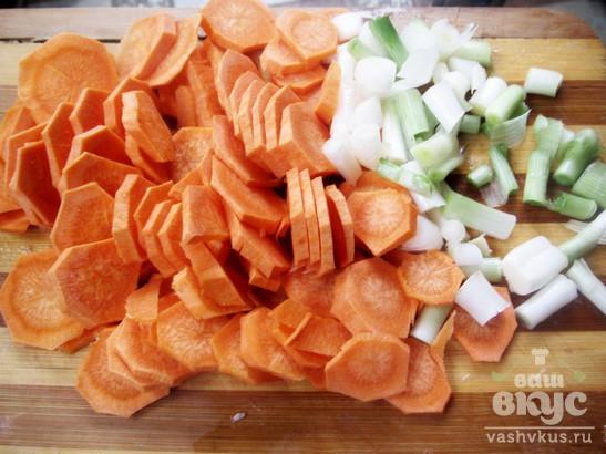 Тушеные ребрышки с морковью