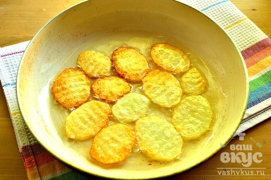 Яичница с картофелем и зеленью