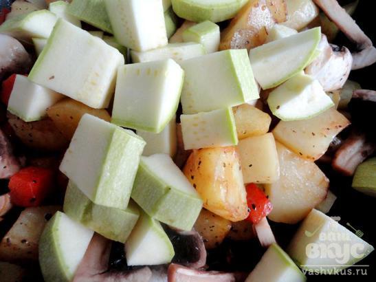 Картофель, жаренный с овощами