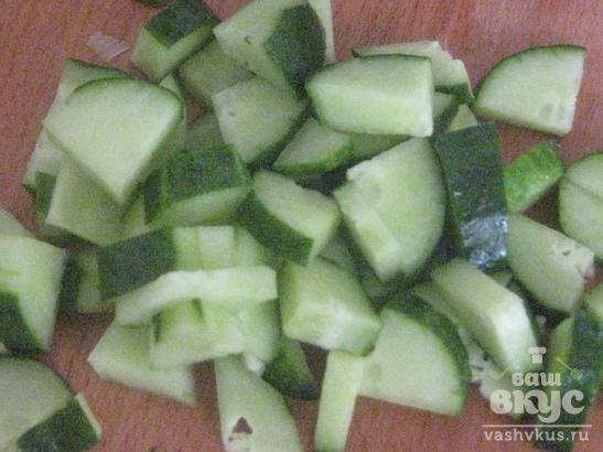 Салат со свининой и огурцом