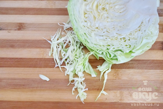 Салат из овощей с домашними сухариками