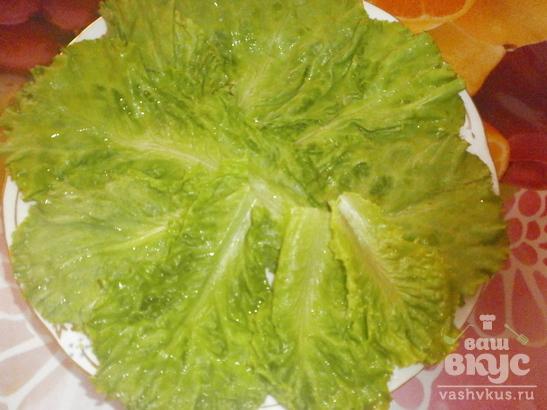 Салат из крабовых палочек и плавленного сыра «Легкий перекус»