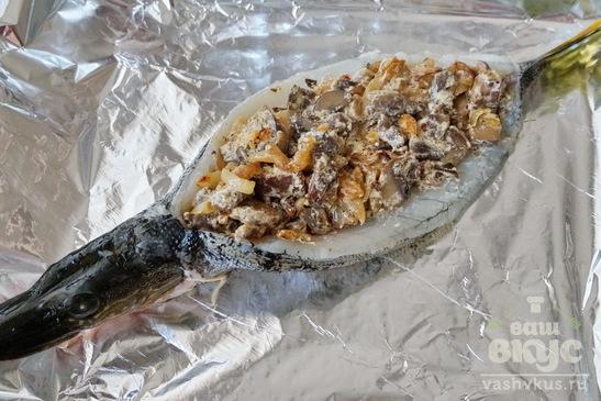 Щука с грибами запеченная в духовке