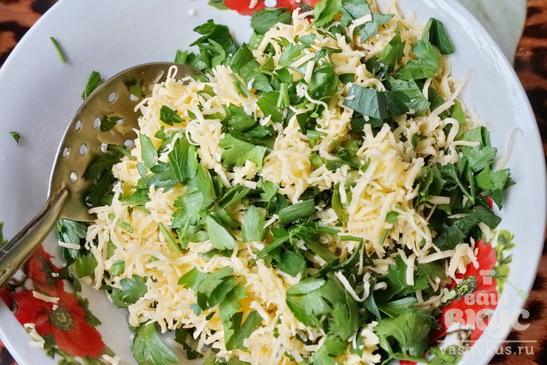 Блинчики с начинкой из сыра и зелени