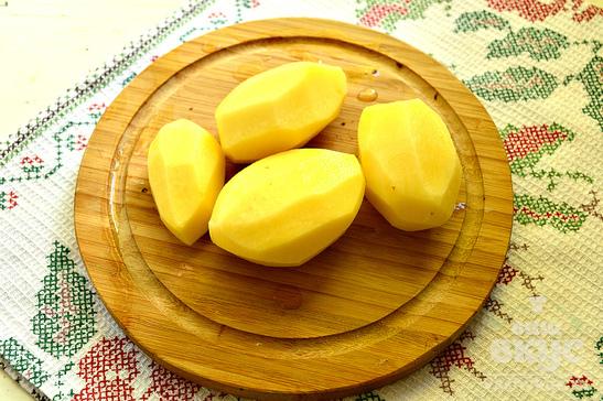 Молодой картофель с шампиньонами
