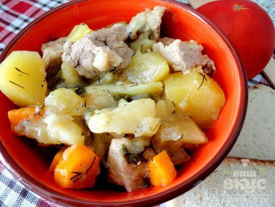 Картофель тушеный со свининой и овощами