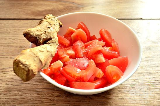 Салат с помидорами и имбирем