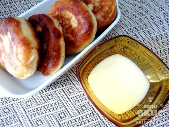 Вкусные пончики с малиной