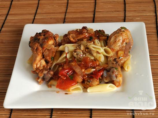 Тушеная курица с томатами и луком
