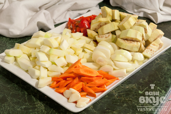 Соте овощное с мангольдом