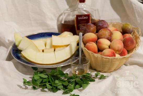 Фруктовый салат с коньяком и мёдом