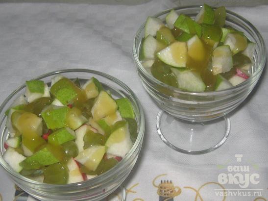 Фруктовый салат с йогуртом и мёдом