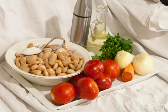 Фасоль белая в томатном соусе