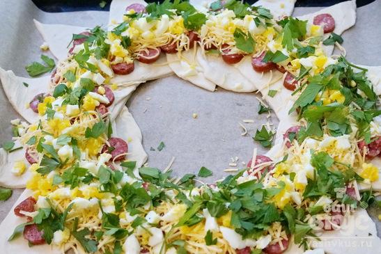 """Пирог с колбасой, яйцами и сыром """"Венок"""""""