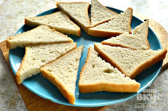 Бутерброды с петрушкой, сельдью и майонезом