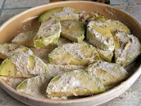 Кабачки жареные с картофелем в мундире