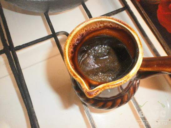 Кофе с молотой корицей в турке