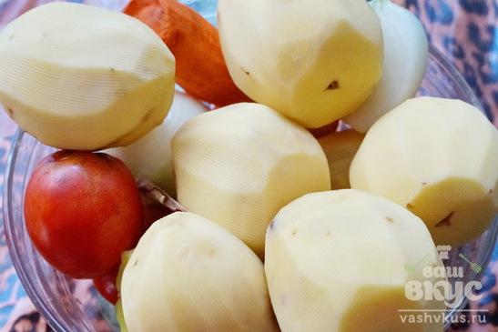Картофель с мясом и овощами, запеченный в духовке