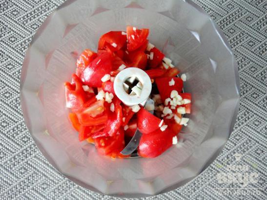Спагетти с вкусным томатным соусом