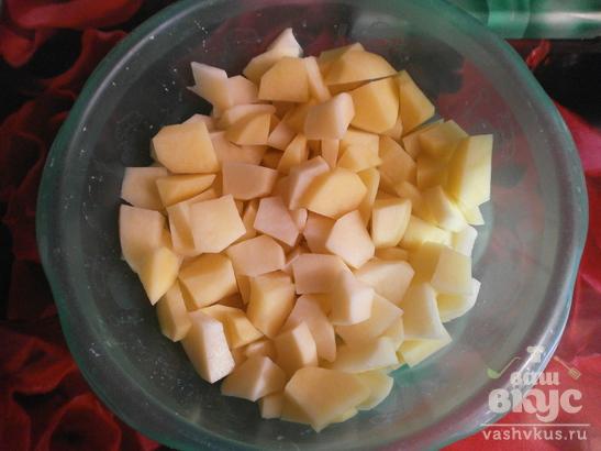 Тушеный картофель с томатами и мясом