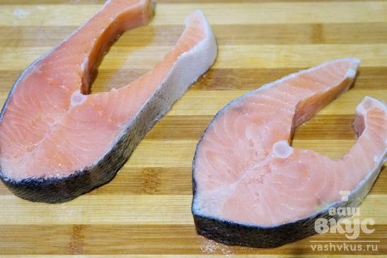 Красная рыба запеченная в сливочном соусе бешамель