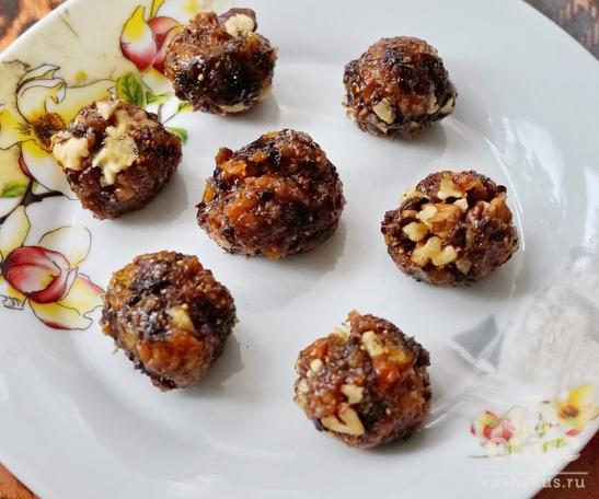 Сухофрукты с медом и орехами