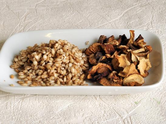 Постные щи с перловкой и грибами
