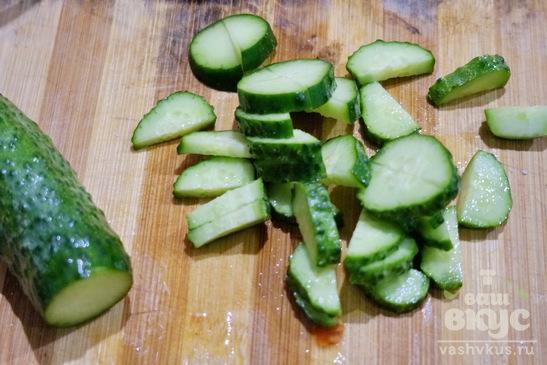 Салат из огурцов, помидоров и баклажанов
