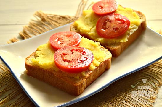 Горячие бутерброды с картофелем и помидорами